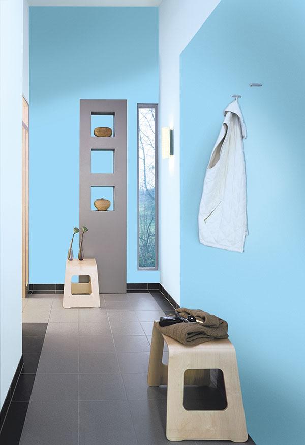 Blautöne haben einen besonders erfrischenden Effekt. (Foto: epr/Alpina)